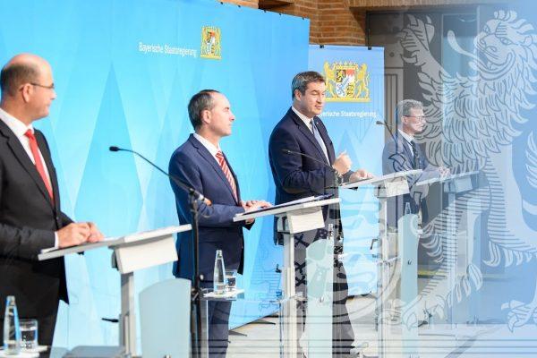 Pressekonferenz nach Kabinettssitzung