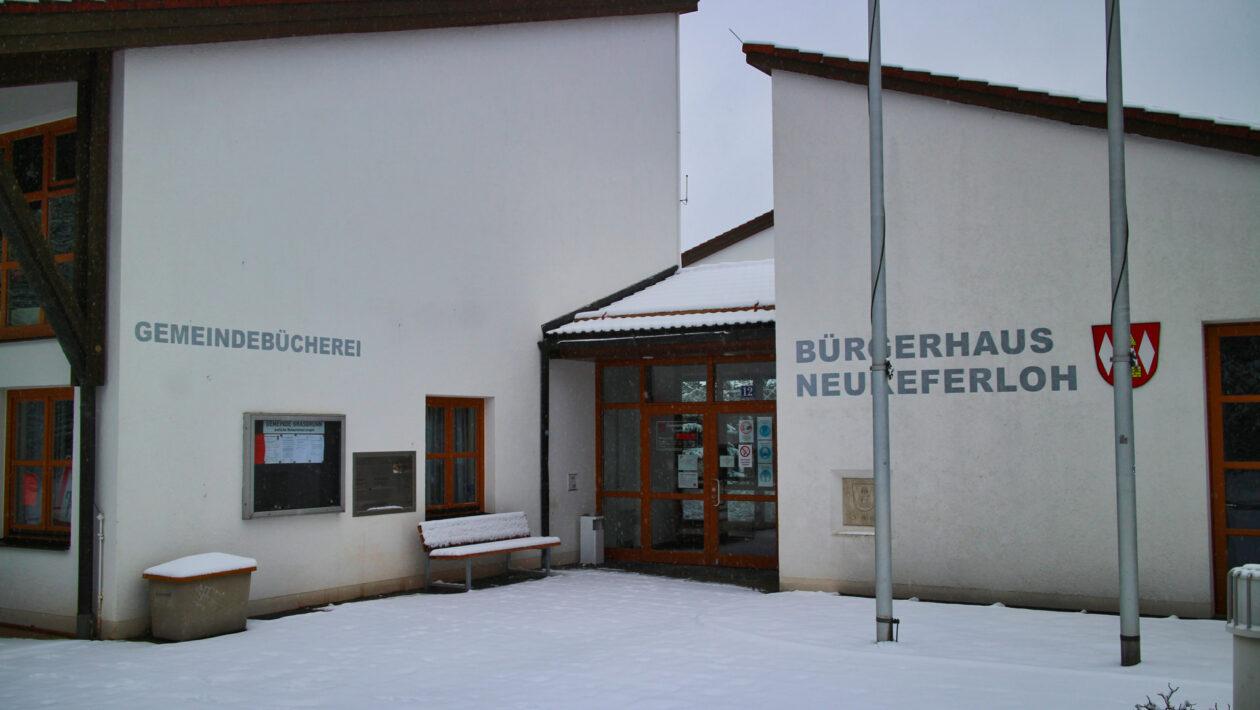 Bürgerhaus Neukeferloh im Winter
