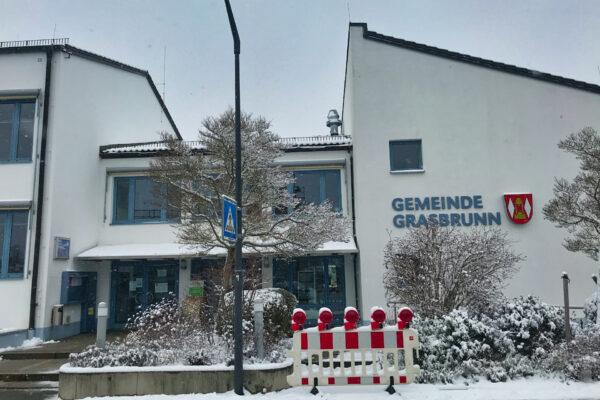 Rathaus Neukeferloh Winter