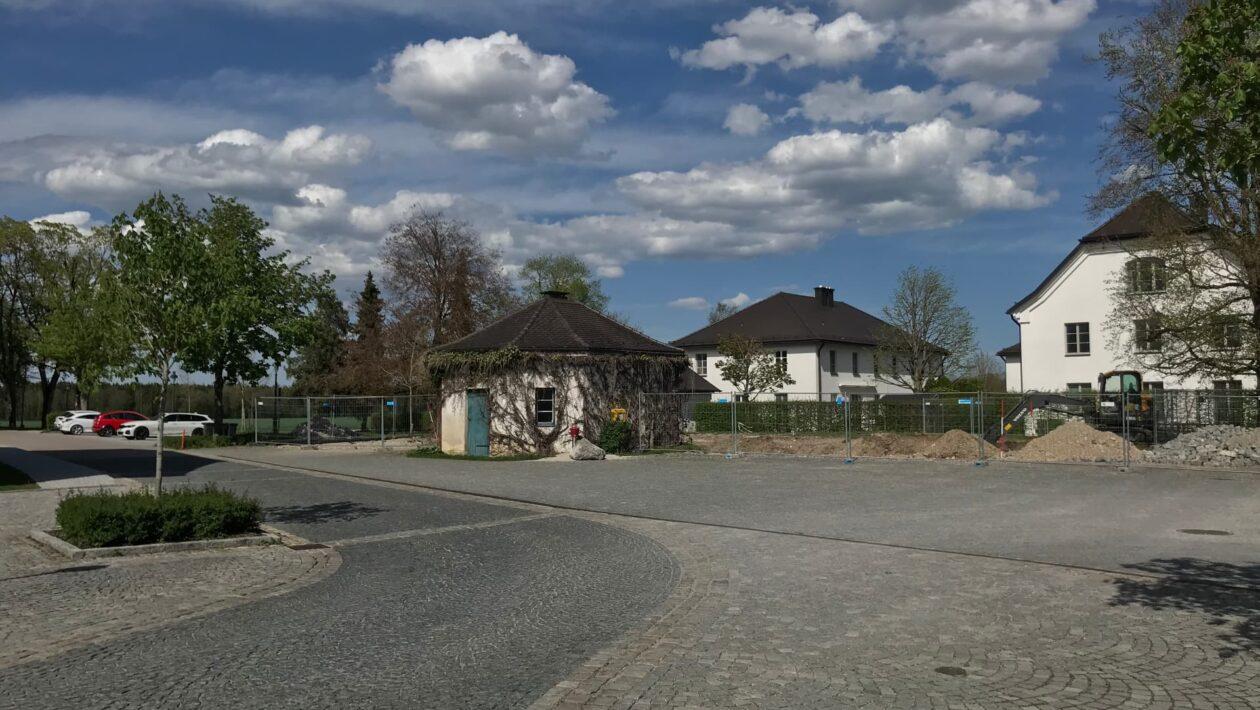 Moeschenfeld Neubau Alte Schmiede
