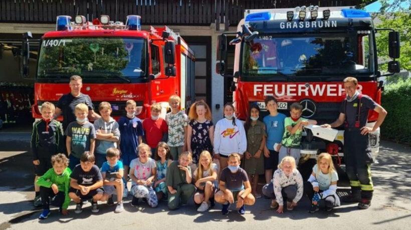4b besucht Feuerwehr
